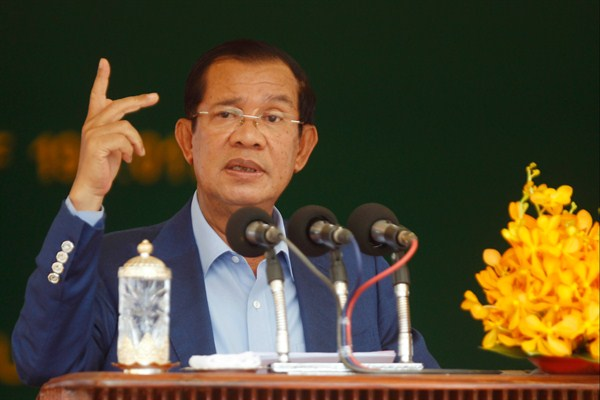 Trump, Normally Cozy With Despots, Takes a Hard Line With Cambodia's Hun Sen