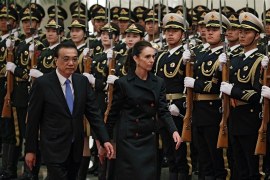 New Zealand Prime Minister Jacinda Ardern and Chinese Premier Li Keqiang during a welcome ceremony, Beijing