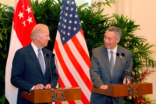 Joe Biden and Singaporean Prime Minister Lee Hsien Loong at a press conference in Singapore, 2013.