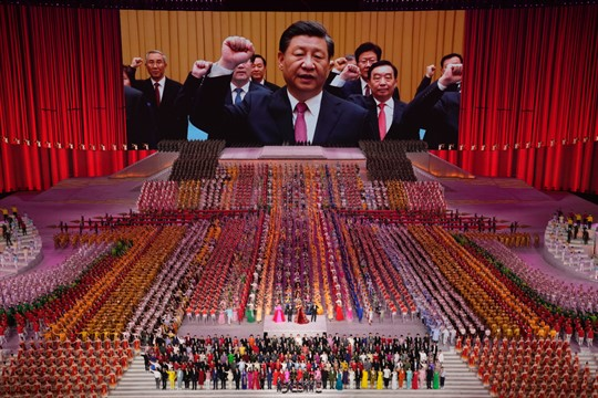 Xi Jinping and other top Communist Party officials.